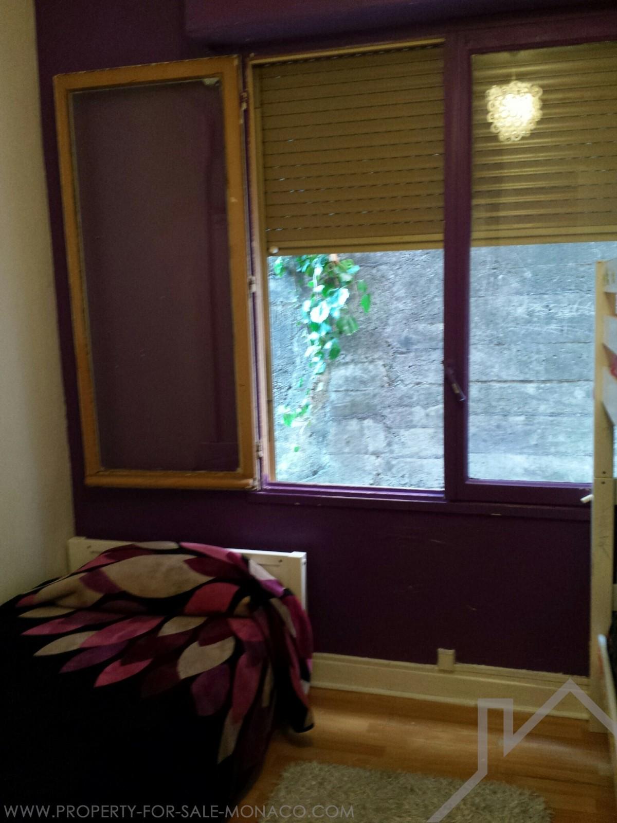 Inzernia 2 camera appartamento piccolo residence for Soggiorno a montecarlo