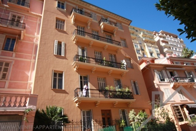 BEAUTIFUL 2 BEDROOM - RENOVATED- LAW 1235 - Appartamenti in vendita a MonteCarlo