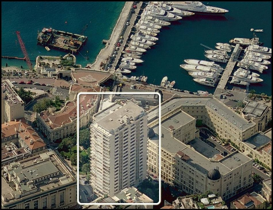 2  EMPLACEMENTS  PARKING -  SUN TOWER - Appartamenti in vendita a MonteCarlo